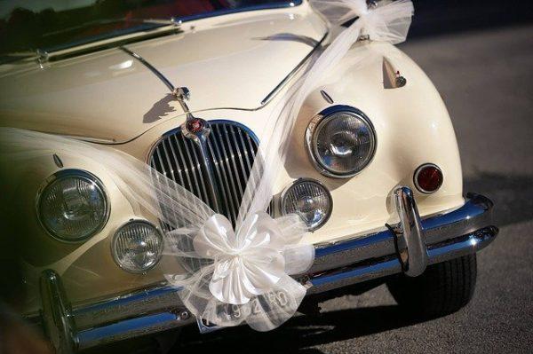 tradizione macchina sposi